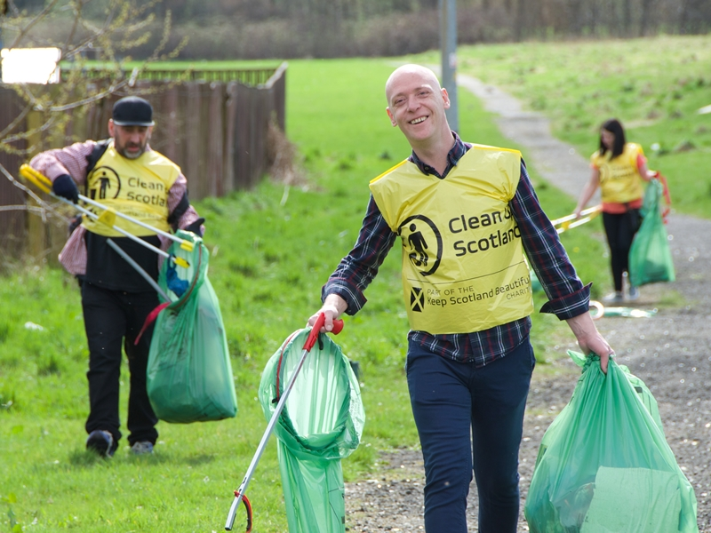 Big Spring Clean brings out more than 1000 volunteers