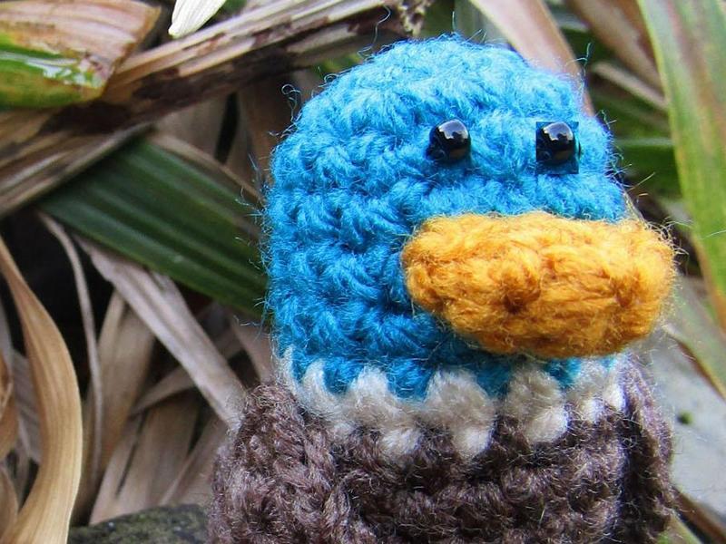 Happy amigurumi apple rattle | Crochet pattern lilleliis | 600x800
