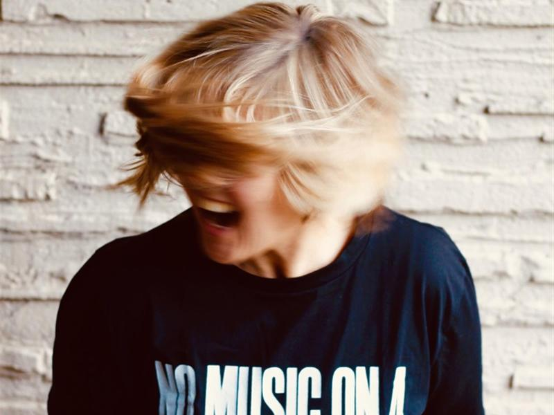 Lynnie Carson - Greta & Weaving Water Single Launch