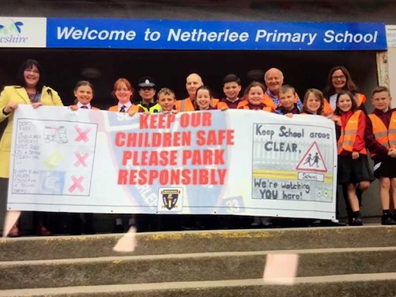 Netherlee Primary School children tackle Road Safety with new banner campaign