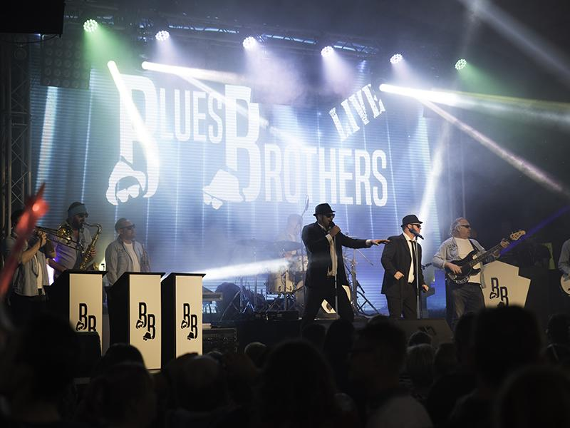 The Blues Brothers Live