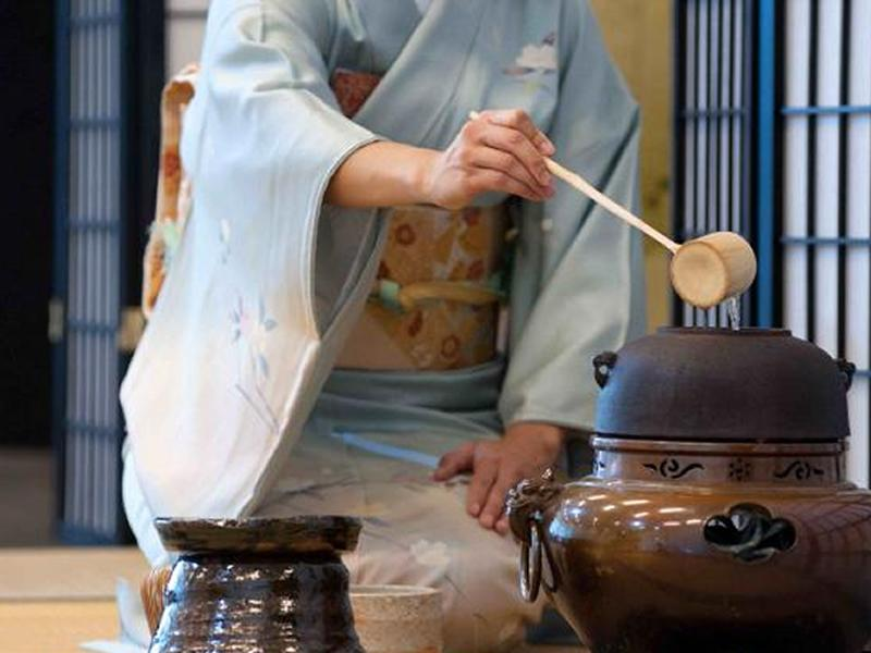 Digital Talk: Introduction to the Japanese Art of Tea (Chado) – A Cup of Peace and Simplicity