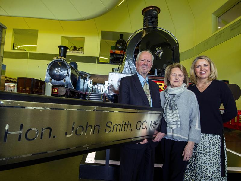 Glasgow Museums acquire historic railway nameplate