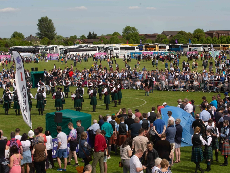 Thousands turn out for the British Pipe Band Championships in Paisley