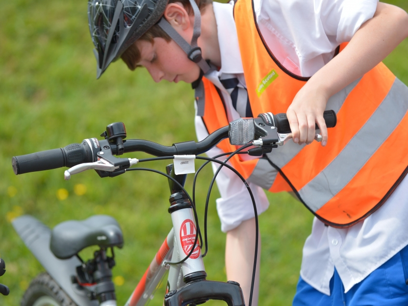 Hundreds of pupils in East Renfrewshire get on their bikes thanks to Bikeability cycle training