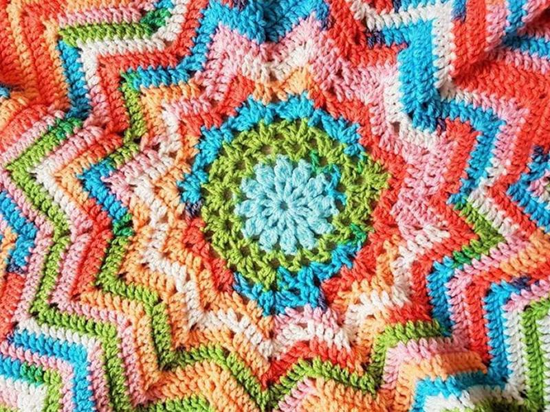 Learn to Crochet with Lyndsay McFarlane from Wooly Likes to Hook