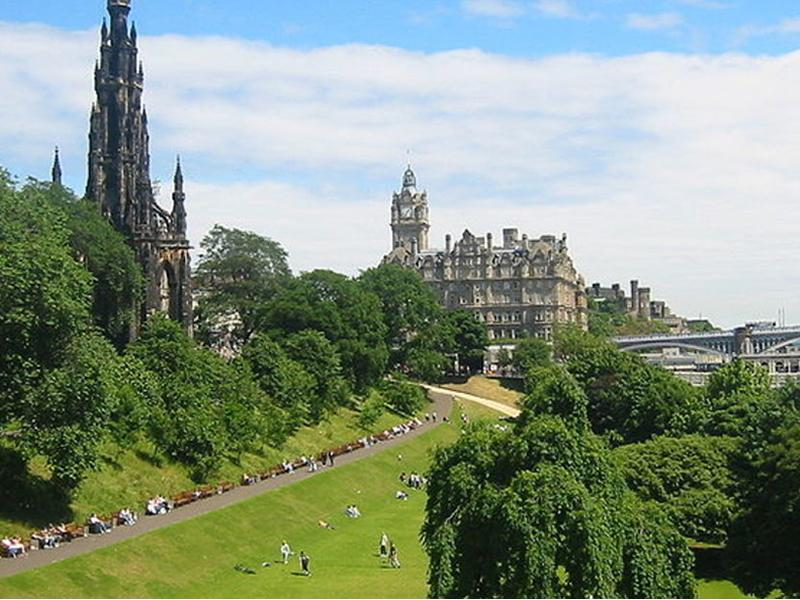 Chamber Music Soundscapes in Princes Street Gardens