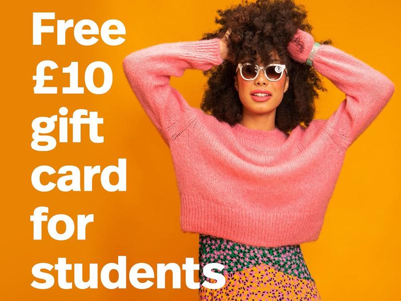 St. Enoch Centre welcomes students with gift card giveaway!