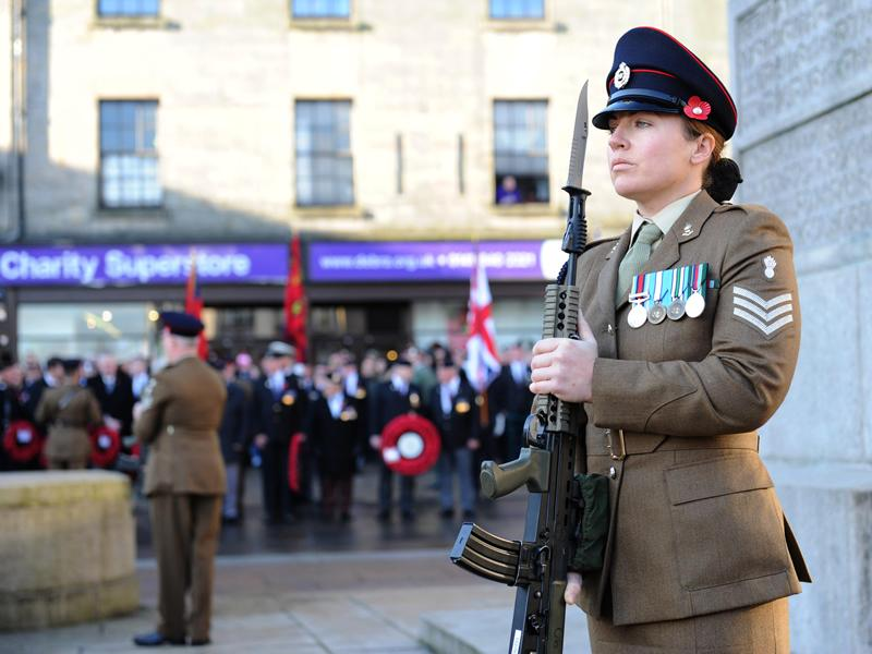 Hundreds pay their respects to the Armed Forces in Renfrewshire