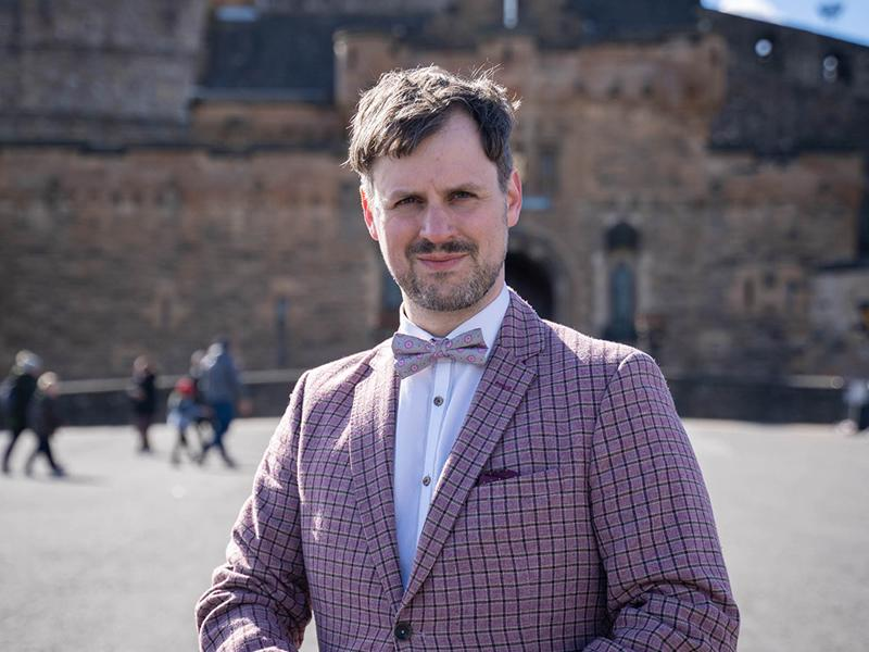 Edinburgh Castle hosts world premiere of spectacular stunt by scientist and magician Kevin Quantum