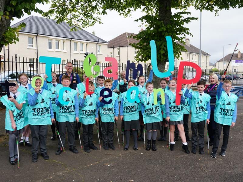 Communities in Renfrewshire will Team Up for a Spotless September