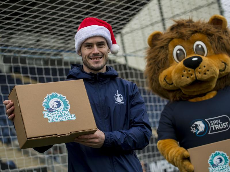 Scottish Football spreads Christmas Cheer to those in need with biggest ever campaign