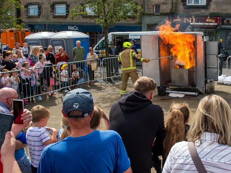 Crowds feel the heat as Fire Engine Rally returns to Johnstone