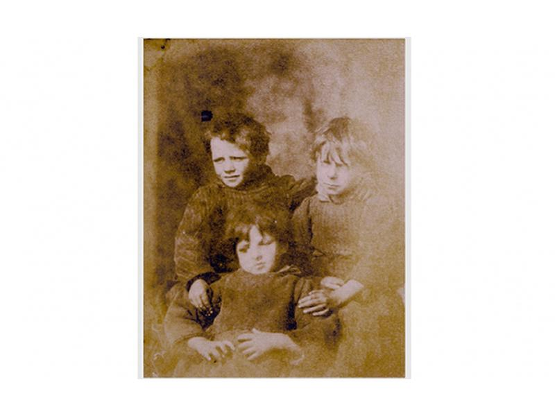 Lecture: Distant lives: The Earliest Photographs of St Kilda