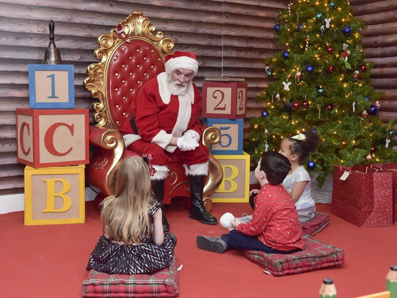 Santa Claus arrives at St. Enoch Centre ahead of storytelling sessions