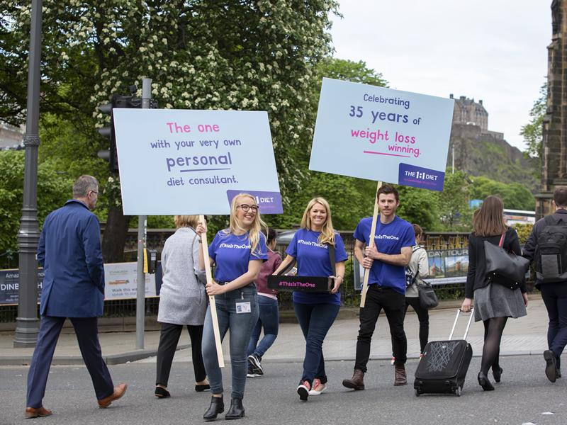 This is the one! Singer and pianist flashmob brings Edinburgh to a standstill!