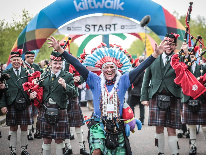 Andy Murray serves up challenge to Scots to sign up for the Kiltwalk