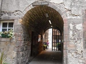 Riddles Court