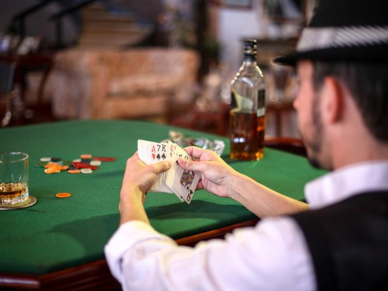 Pub Poker Tournament: The Nuts Poker League