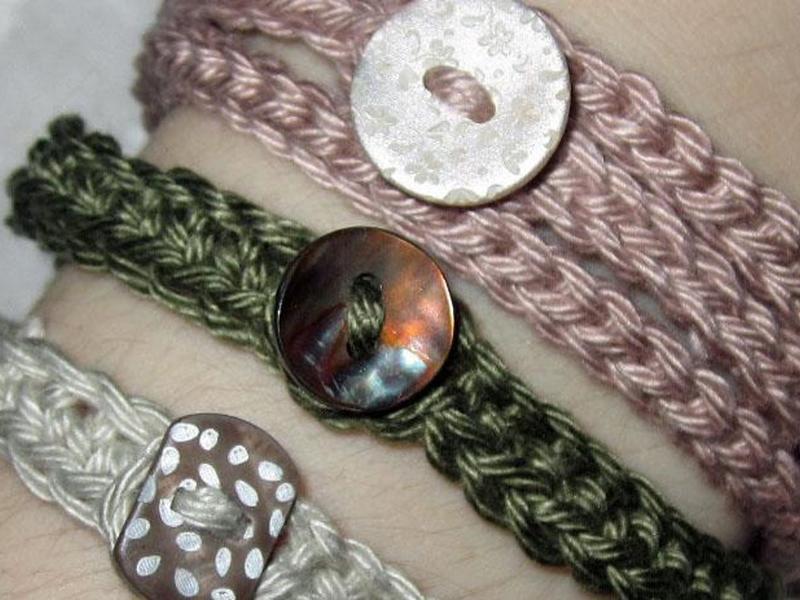 Beginners Crochet: Crocheting in Rows Button Up Bracelets