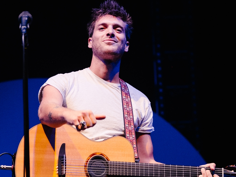 Paolo Nutini wows Paisley crowd with stunning homecoming show