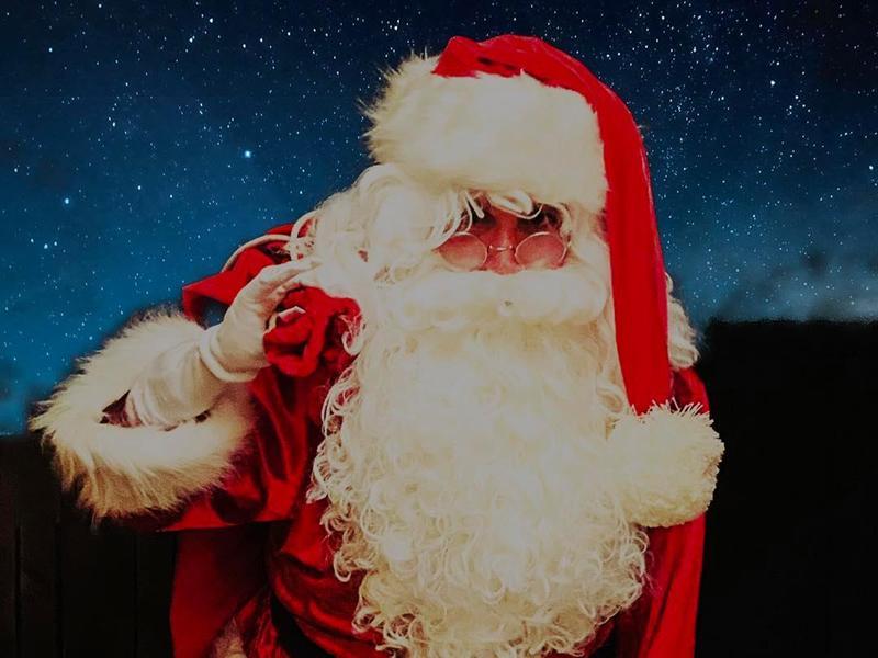 Socially Distanced Santa Claus Door Step Visits